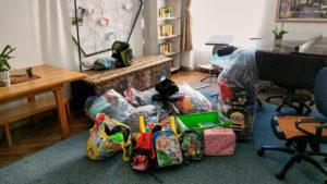 Wir liefern die mitgebrachten Sachen ab