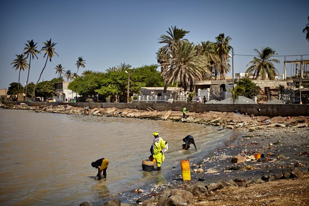 Waschen am Senegal Fluss